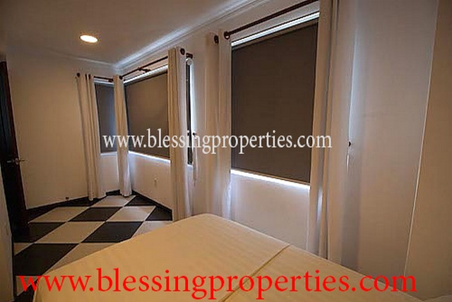 Brand New Serviced Apartment in District 01 Near Diamond Plaza