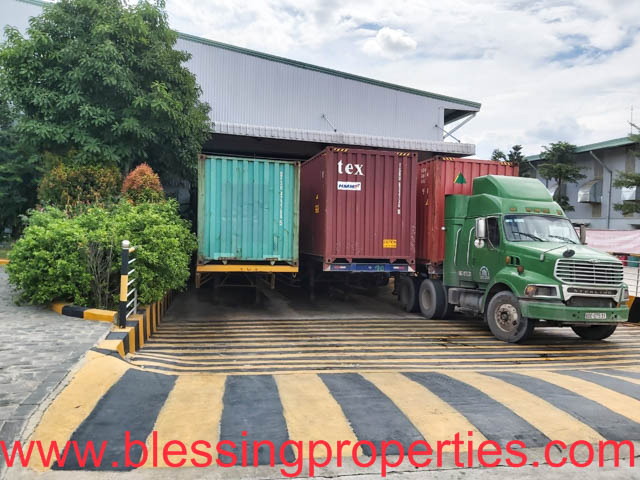 Transferring Huge Wooden Furniture Processing Factory Inside Industrial Park